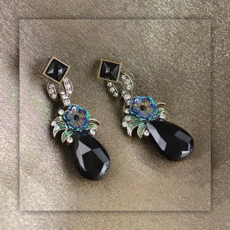 Black Drop Flower Earrings