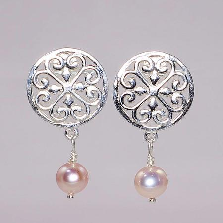 Sterling Silver Southern Gates Freshwater Pearl Earrings