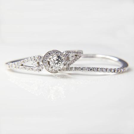 White Gold Diamond Engagement Ring and Wedding Band Set