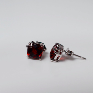 White Gold Garnet Stud Earrings