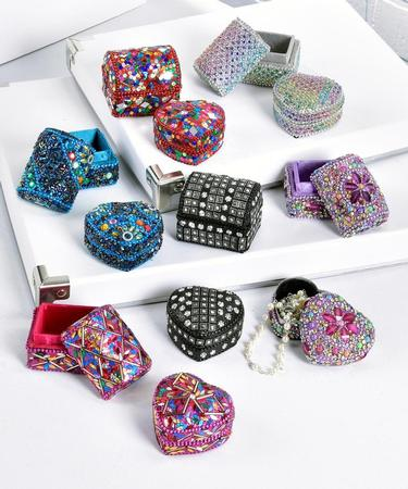 Small Heart-Shaped Glitter Box