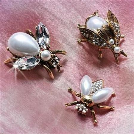 Pearly Girl Bee Pin- Gold